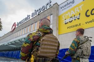 Des militaires de l'opération Vigilant Guardian à Zaventem après les attentats du 22 mars (photo Défense belge)