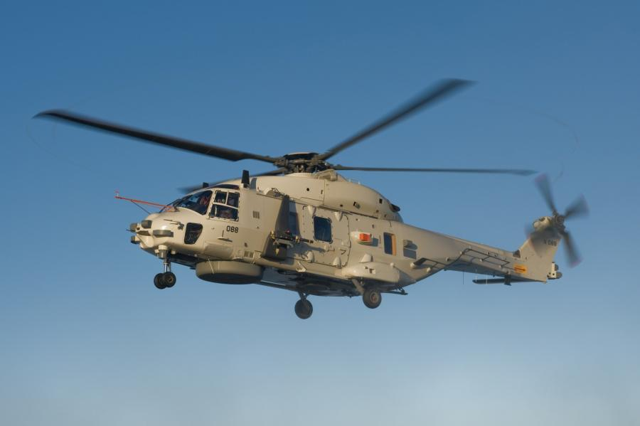 https://defencebelgium.files.wordpress.com/2018/02/nh90mfh11.jpg